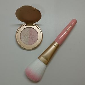 Too Faced duo